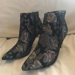 Dark purple floral high heel shoes